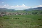 Драгичево. В дясно при тополите се вижда къщата на Мис България